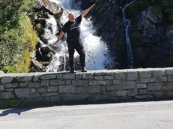 2020 - Alte Säcke Jahrestour - Wasserfall an der Kaunertaler Gletscherstraße